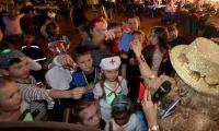 Holzdorfer Karnevals Club Narrenschar lockt nach Mönchenhöfe