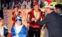 Karnevalsauftakt in Holzdorf Rotstift und Heiratsantrag